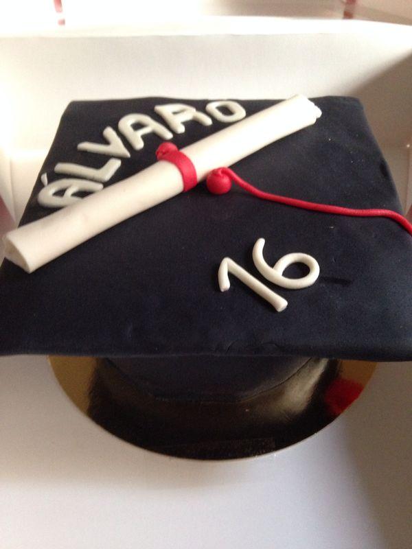 Tarta fondant graduación
