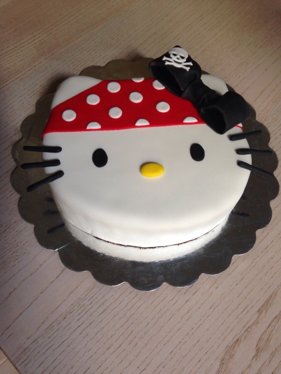 Tarta Hello Kitty Pirata
