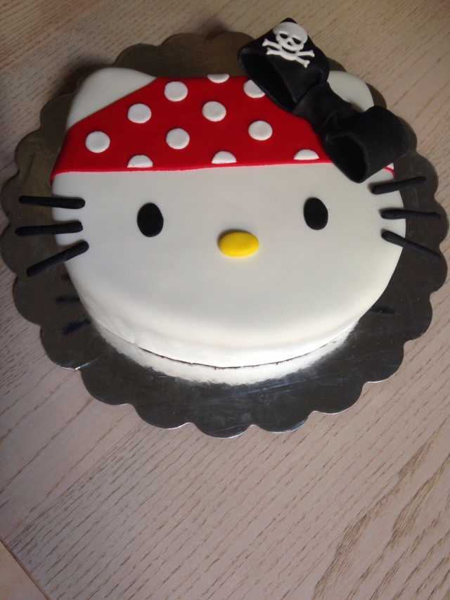 Tarta Hello Kitty Pirata