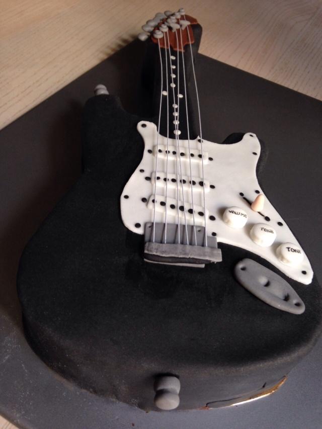 Tarta Guitarra fondant