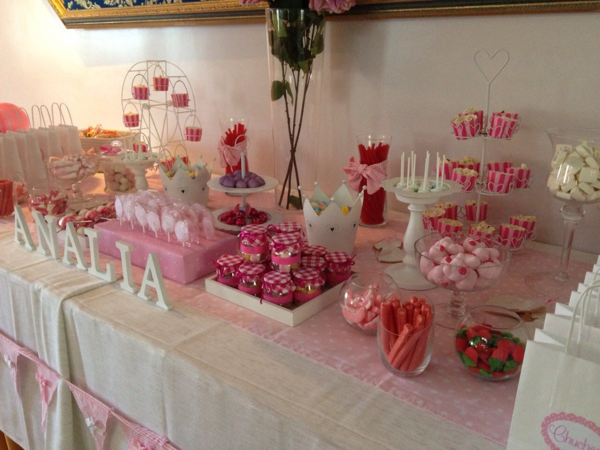Mesa chuches comuni n en rosa bocados dedicados - Mesas para comuniones ...