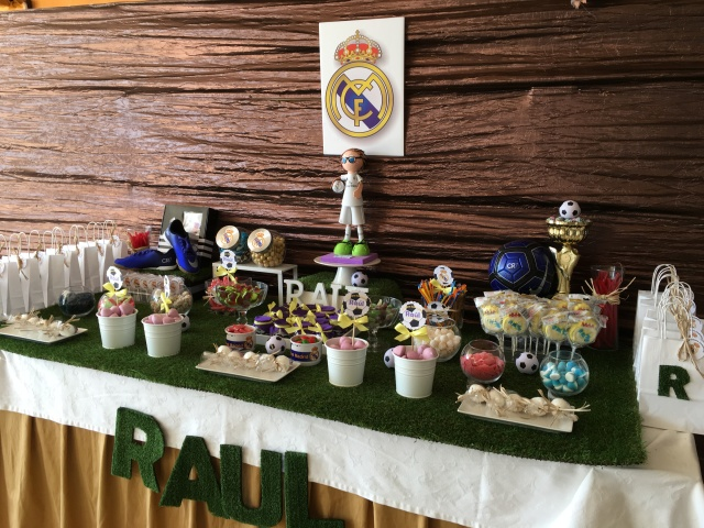 Mesa Chuches Real Madrid